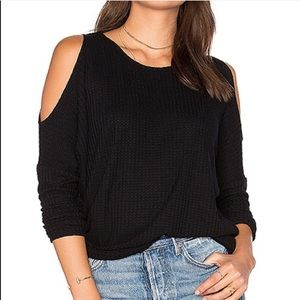 Chaser cold shoulder black thermal top -A11